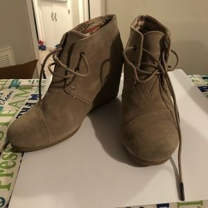 TOMS Desert Wedge Bootie! Never worn! Size 8.0